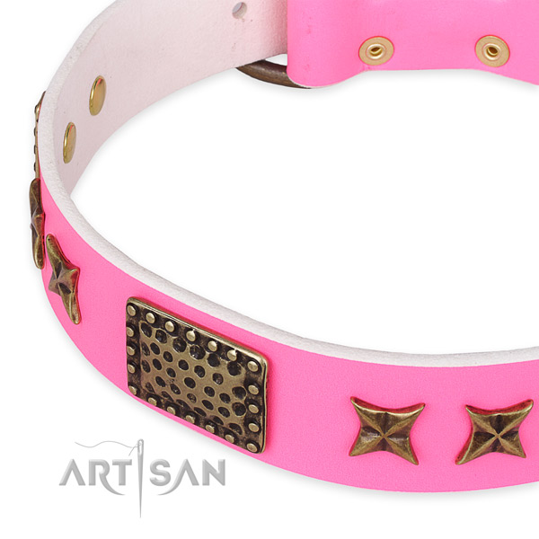 Easy to put on/off leather dog collar with resistant durable buckle
