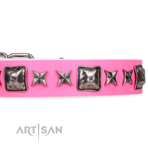 Easy to put on/off leather dog collar with resistant to tear and wear durable hardware